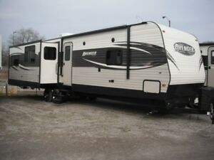 2017 PRIMETIME Avenger 33RET Rear Entertainment Travel Trailer