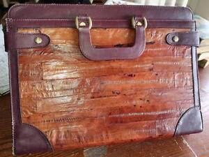 OAKVILLE 905 510-8720 / EEL Skin and Leather Vintage Retro Briefcase / Laptop Valise Bag Brown / Crushed Velvet lining