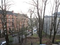 Bright 2 bed (first floor) flat with balcony near Glasgow University and Botanic Gardens