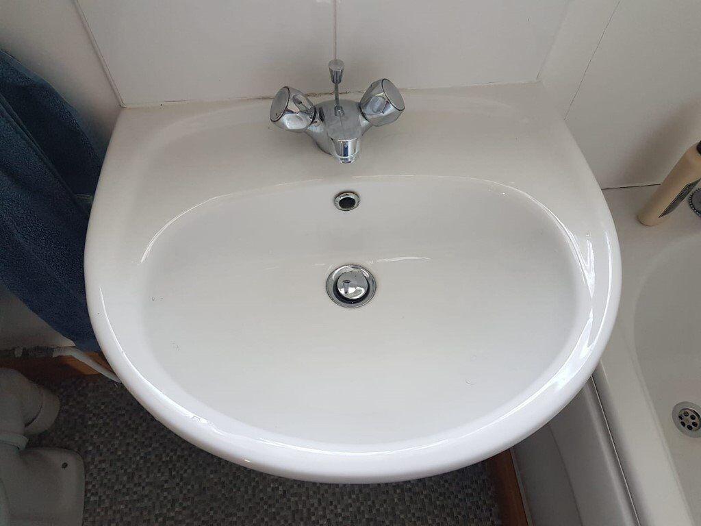 Radiator Voor Toilet : Bathroom suite for sale toilet sink bath radiator £ ono