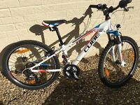 Boys Cube 240 Bike used twice in excellent condition