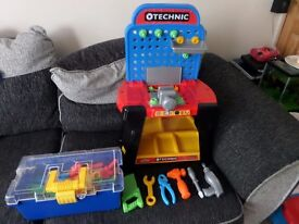 Technic Tool Bench plus extra tool box with tools & accessories