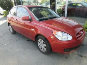 2010 Hyundai Accent 5-SPEED HATCH