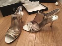 New Women sandals size 5,5 new