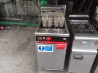 COMMERCIAL CATERING SECOND HAND FRYER CAFE KEBAB CHICKEN RESTAURANT TAKE AWAY SHOP FAST FOOD SHOP