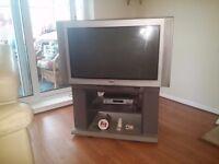 "36"" Sony trinitron tv with remote control"