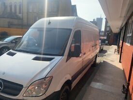 MAN AND VAN / REMOVAL SERVICES / HOUSE MOVING