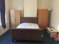 LARGE DOUBLE ROOM FOR RENT near to seven sisters, stamford hill, south tottenham stations