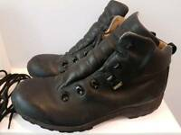 Brasher Supalite hiking boots 9
