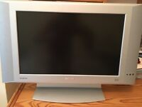 """Philips Flat TV 17PF8946 43 cm (17"""") LCD HDTV monitor with Crystal Clear III"""