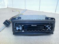 Pioneer DEH 1300 R Face Off Car Stereo in excellent condition