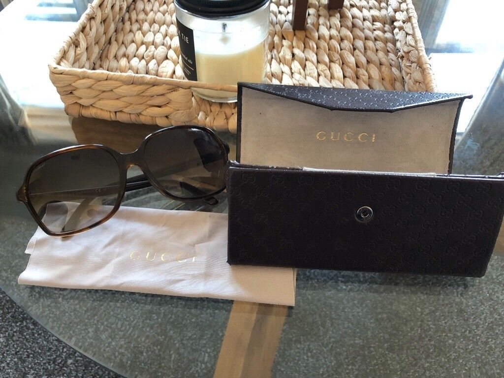 b5613a7f424 Genuine Ladies Gucci Sunglasses