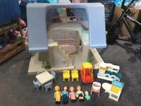 Little tikes vintage dolls house with accessories