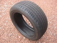 Used Tyre 235/50 R 18 very good tread. This size tyre fits several vehicles.