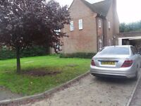 RB Estates are pleased to offer this spacious desirable 4 bed detached in private rd in South Rdg