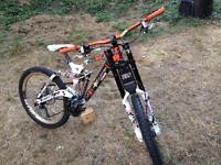 Kona Stab Deluxe 2009 downhill bike