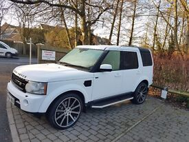 SIMPLY STUNNING 4WD!! LAND ROVER DISCOVERY 4 ! FULL SERVICE HISTORY WITH HIGH SPECS .21INCH ALLOYS
