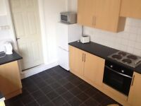 Double and single rooms all bills included £50-£65 per week Hilda st close to USW & train station