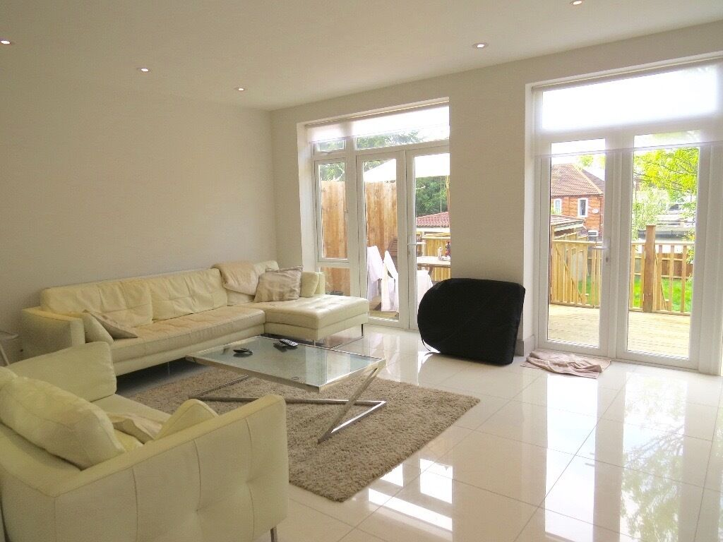 5 bed 2 receptions 3 bath semi-detached house to rent in Montpelier Rise, Golders Green NW11 9SS