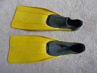 Kids Fins / Flippers - CressiSub - Size 11.5-13 (Age 4-6)