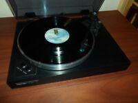 ROTEL RP-855 Belt Drive Turntable/Record Player in Excellent Condition.