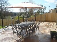 6 SEATER WROUGHT IRON GARDEN TABLE AND CHAIRS