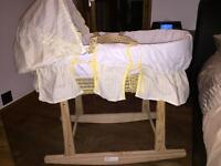 Moses basket and rocking stand as new
