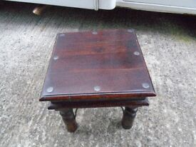 2 X COFFEE/OCCASIONAL SOLID WOOD MATCHING TABLES