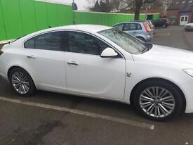 Vauxhall Insignia 2011 white