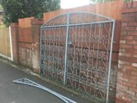 Galvanised Gates 4 Months Old 9ft Wide Can Deliver