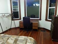Near downtown available now! 500 all include! big bright room!