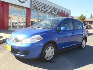 2009 Nissan Versa 1.8 S Hatchback Peterborough Peterborough Area image 1