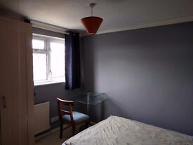 Double room available in canford heath.
