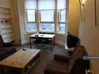 3 bedroom flat in Cumbernauld Road, Glasgow, G31 (3 bed) (#1000535)