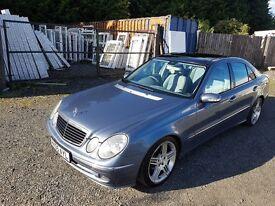 2005 Mercedes-Benz E220 2.1 CDI Avantgarde SPORT - DIESEL AUTO - Panoramic ROOF