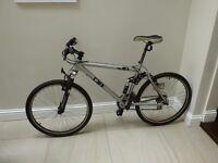 Mens Diamondback 7000 series mountain bike