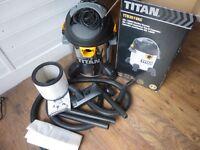 Titan TTB351 Vac Wet/Dry Vacuum Used once as new inc box