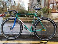 Single speed bicycle (medium-large) (fixed gear fixie)