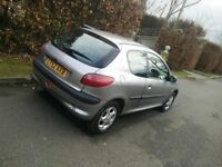 Peugeot 206 for sale! Good condition, perfect first car! Full years MOT passed 5/2/18