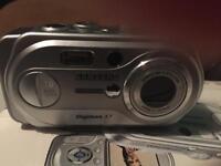 Samsung Digimax A7 camera ex condition