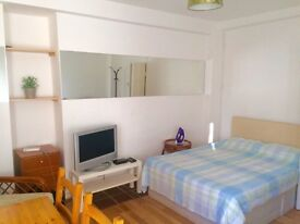 5 Double Rooms to rent in amazing flat ! £185 - £270pw
