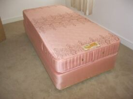 SINGLE BED WITH QUALITY MATCHING 'SLUMBERLAND' MATTRESS. IN GOOD CONDITION. VIEWING/DELIVERY POSS