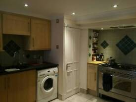 £600 inc pcm large double room in friendly, quiet, spacious house in Iffley with a beautiful garden