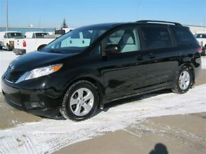 2014 Toyota Sienna LE 8 Psg Pwr Seat Camera Pwr Sliding Doors