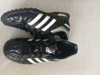 Kids size 12k adidas indoor football trainers