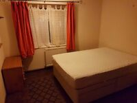 Double room to rent in South Reading. MON-FRI only