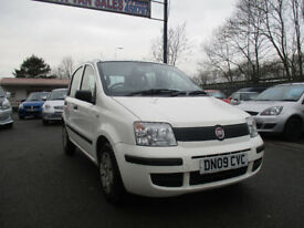 2009 FIAT PANDA COMES WITH 12 MONTHS MOT LOW TAX 30 PONUND A YEAR LOOKS AND DRIVES EXCELLENT