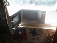 MICROWAVE OVEN(Wm Morrisons)