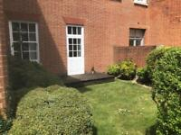 Pets Welcome - Beautiful 1 bed Apartment- Grade 2 Building - south facing garden - loads of parking