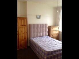 Double bedroom balcony room to in wembley park
